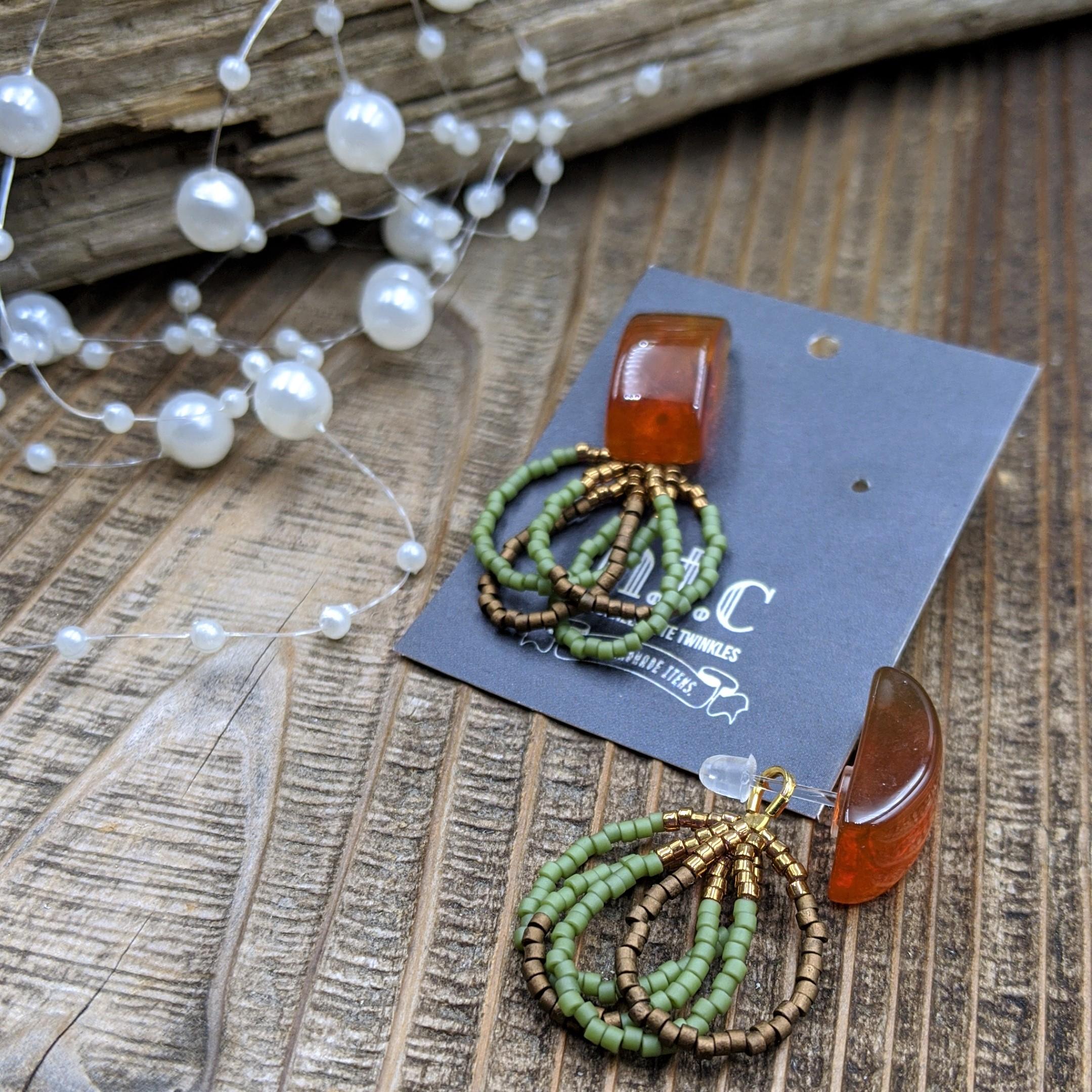 [樹脂ピアス]beads ring tassel〜グリーン×ブラウン〜