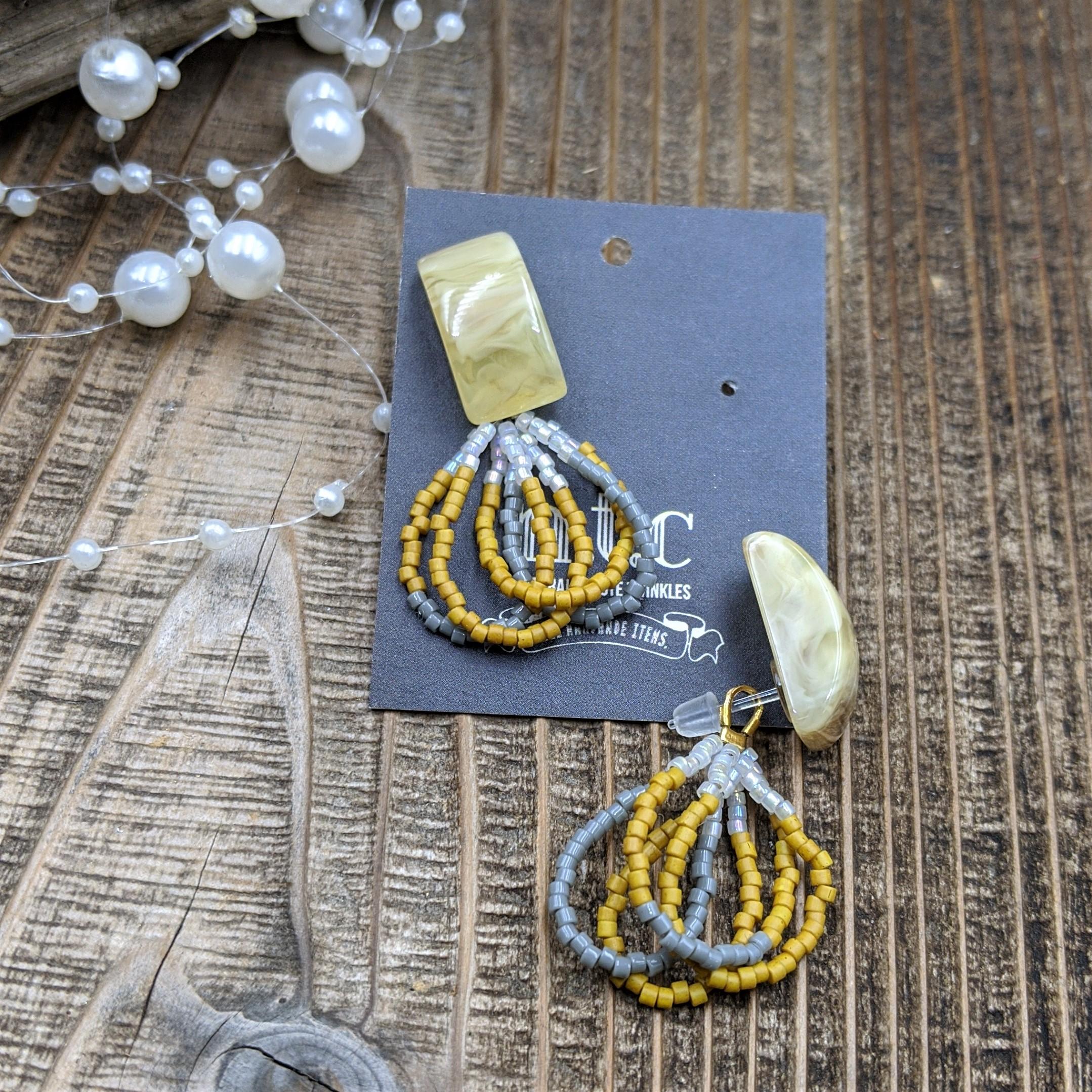 [樹脂ピアス]beads ring tassel〜イエロー×グレー〜